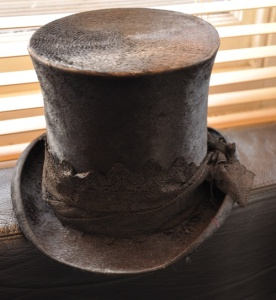 Edwardian_top_hat